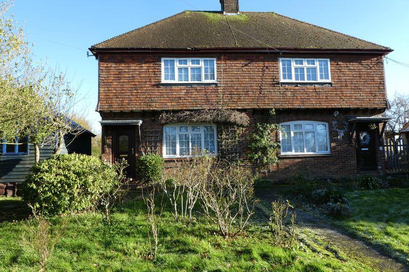 3 Bedrooms Semi Detached House for rent in Beech Lane, Matfield