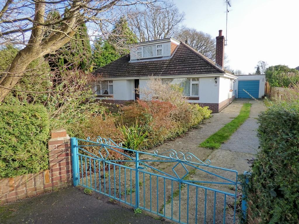 4 Bedrooms Bungalow for sale in Wareham Road, Corfe Mullen