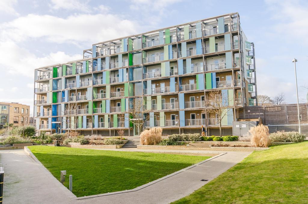 2 Bedrooms Apartment Flat for sale in Warren Close, Cambridge