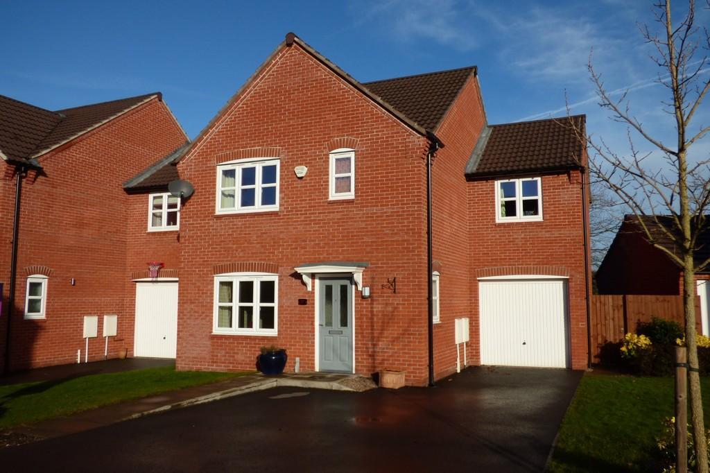 4 Bedrooms Detached House for sale in Bridgewater Road, Burton-on-Trent