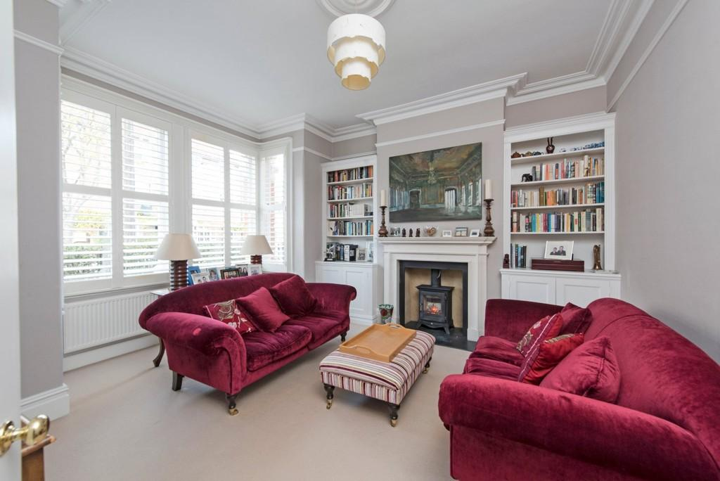 5 Bedrooms End Of Terrace House for sale in Boundaries Road, London