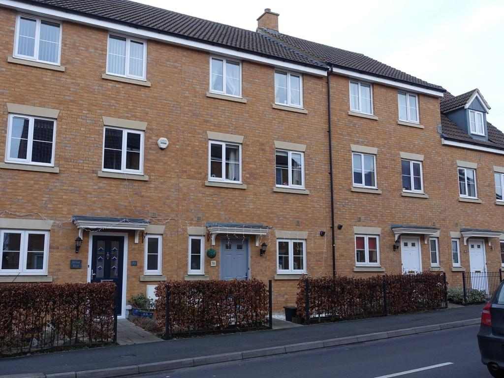 3 Bedrooms Town House for sale in Staverton, Trowbridge