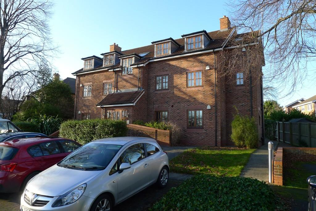2 Bedrooms Apartment Flat for sale in Northfield Lane, Horbury