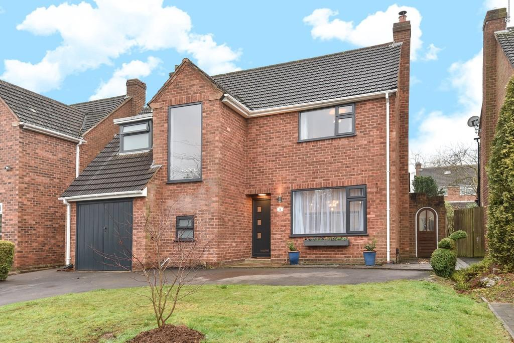 4 Bedrooms Detached House for sale in Apsley Grove, Dorridge