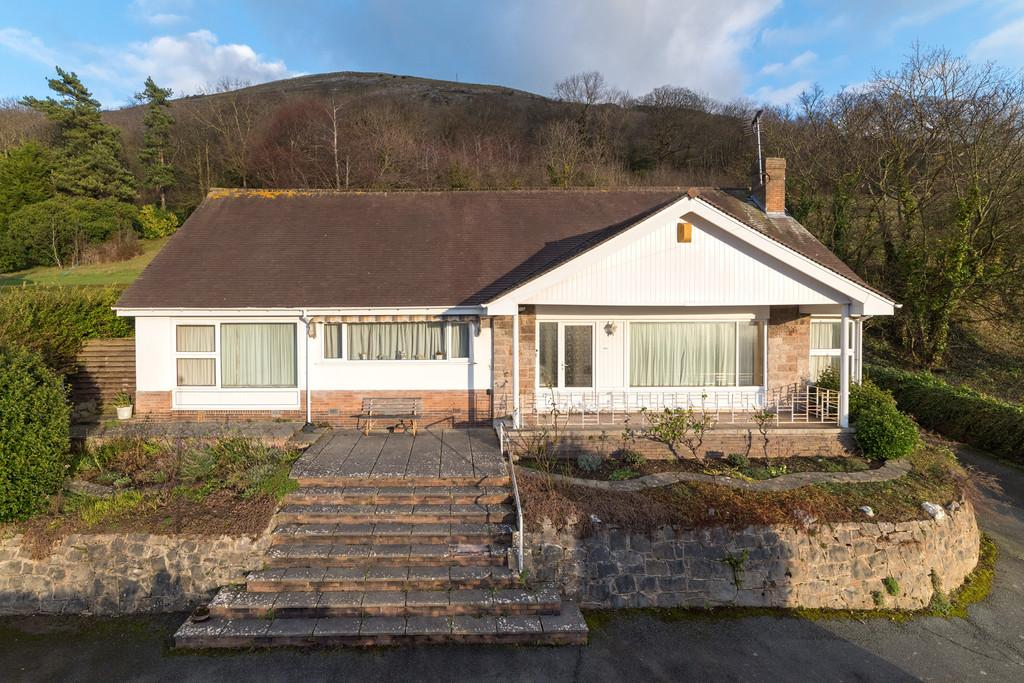 5 Bedrooms Detached Bungalow for sale in Cwm Road, Dyserth