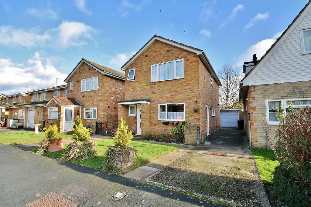 3 Bedrooms Detached House for sale in Knaphill, Woking