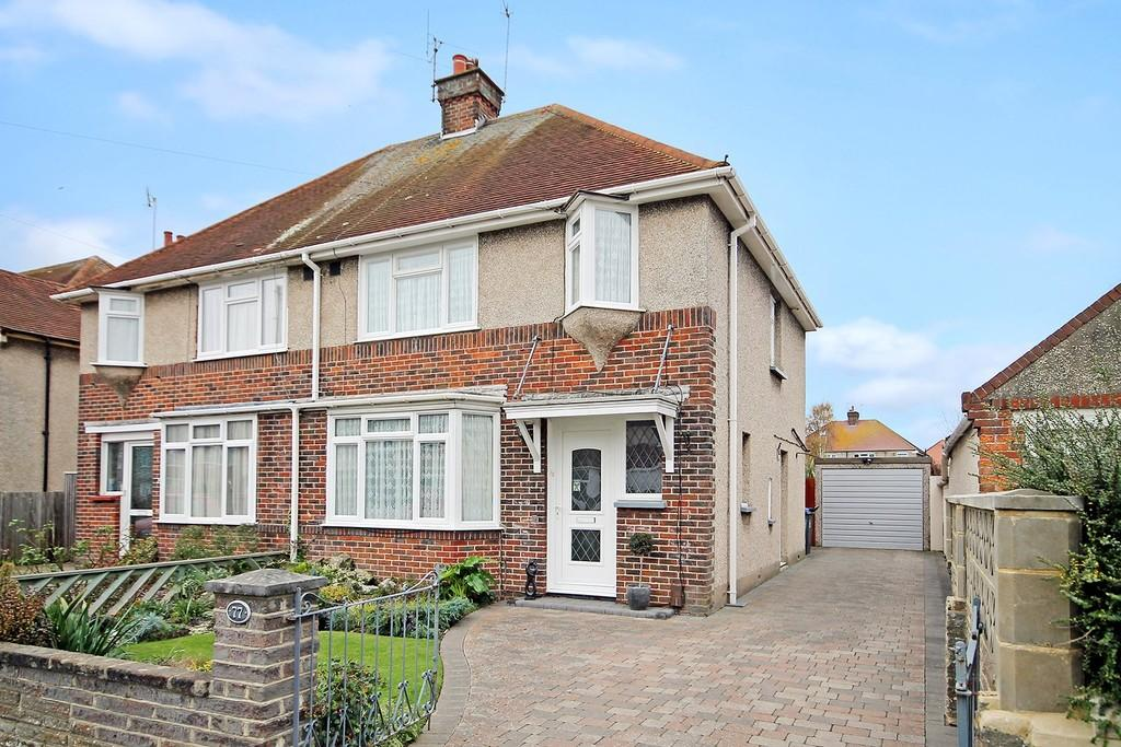 3 Bedrooms Semi Detached House for sale in Goldsmith Road, Worthing BN14 8ES