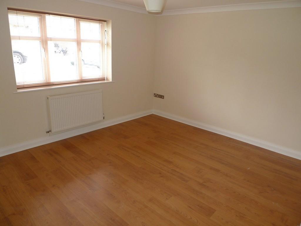 2 Bedrooms Semi Detached House for rent in Trem Y Don, Llysfaen