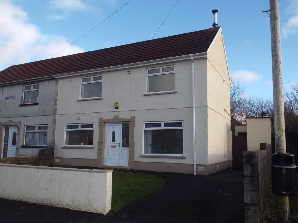 3 Bedrooms Semi Detached House for sale in Maesgwern, Tumble
