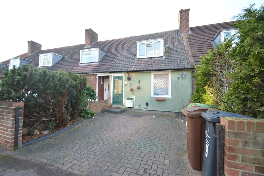 2 Bedrooms Terraced House for sale in Lloyd Road, Dagenham