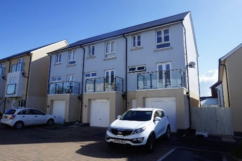 3 Bedrooms Town House for sale in Janion, Llanelli