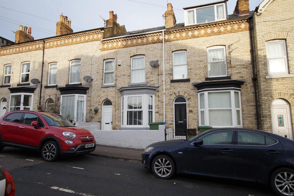 3 Bedrooms Terraced House for rent in Rothbury Street, Scarborough