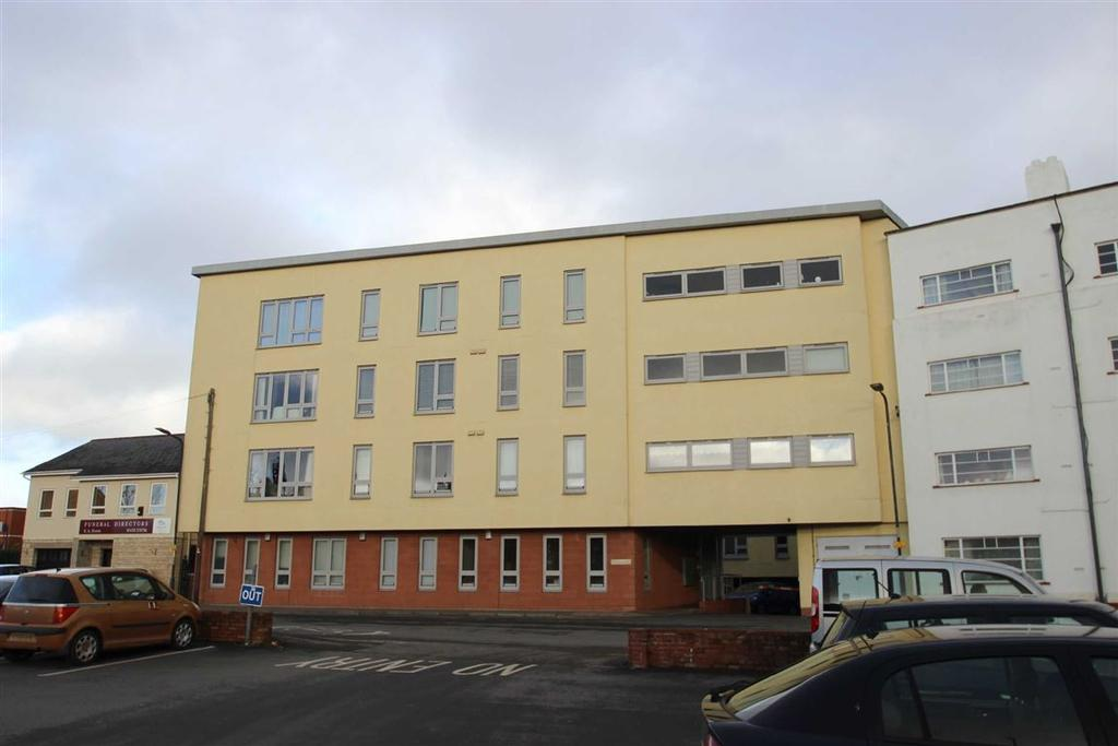 2 Bedrooms Flat for sale in The Embankment, Hereford, Hereford