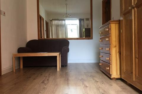 1 bedroom flat to rent - North Ealing, London
