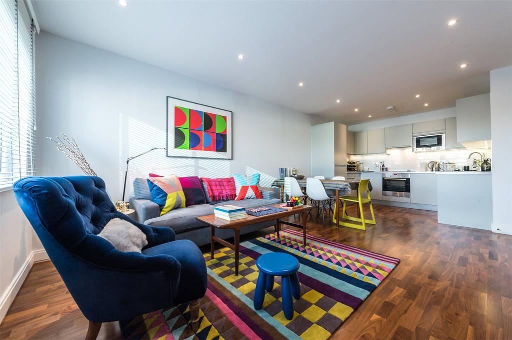 2 Bedrooms Flat for sale in Sesame Apartments, 4 Holman Road, London, SW11