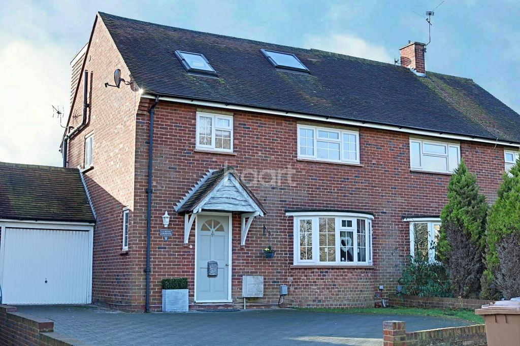 3 Bedrooms Semi Detached House for sale in Bellfields Green, Guildford, Surrey