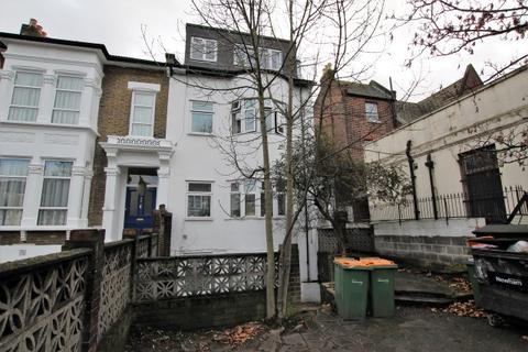 1 bedroom flat to rent - Romford Road, Forest Gat E7