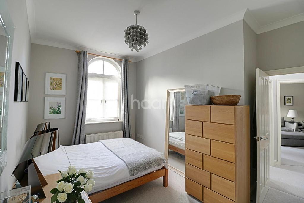 2 Bedrooms Flat for sale in Herbert Mews, Brixton, SW2