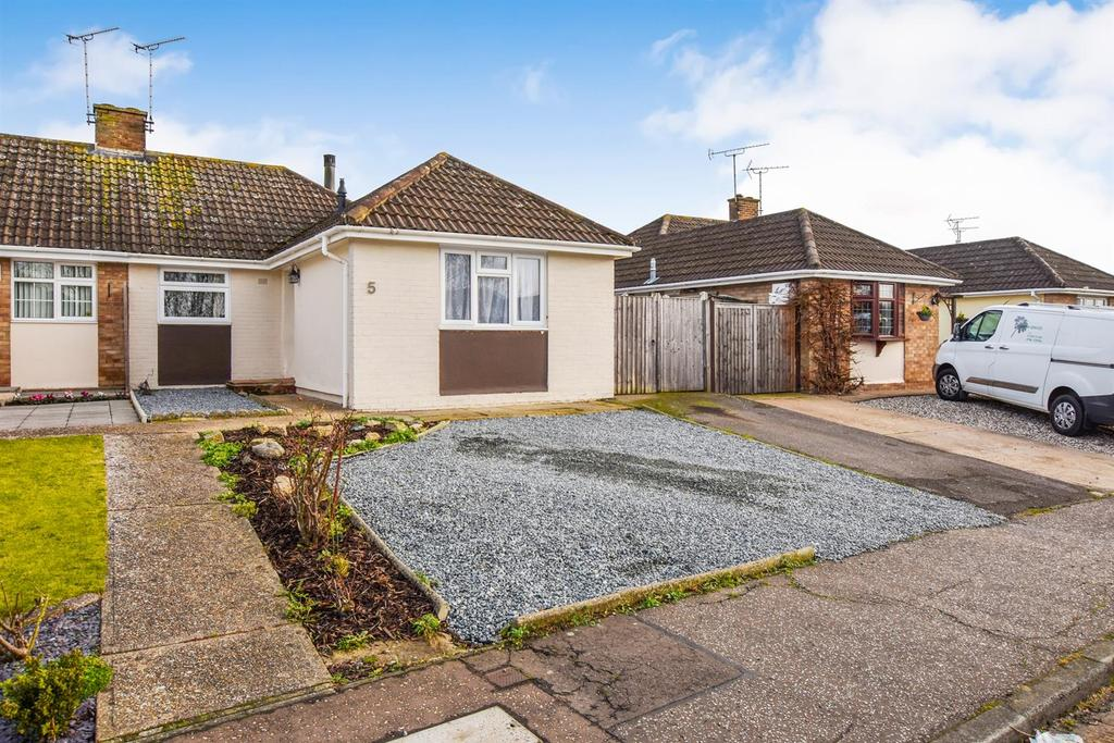 3 Bedrooms Bungalow for sale in Westway, South Woodham Ferrers
