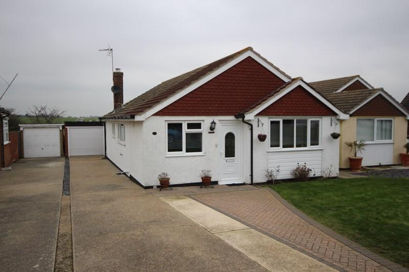 3 Bedrooms Detached Bungalow for sale in Fleetwood Avenue, Clacton-On-Sea