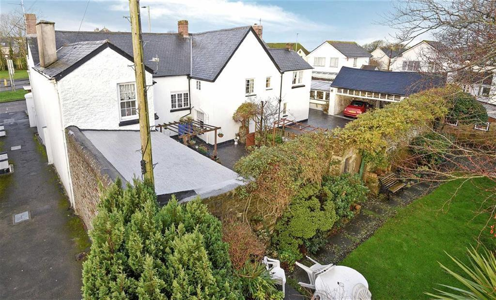 6 Bedrooms Detached House for sale in Fore Street, Northam, Bideford, Devon, EX39
