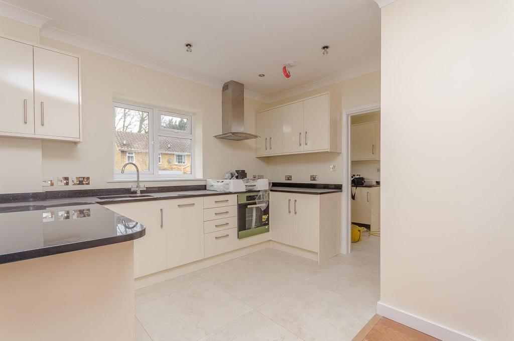 4 Bedrooms Detached House for sale in Sevington Park, Maidstone, Kent