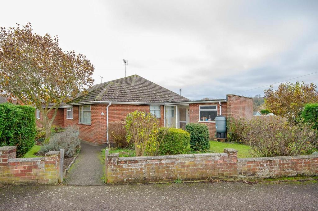 3 Bedrooms Semi Detached House for sale in Yeoman Way, Maidstone, Kent