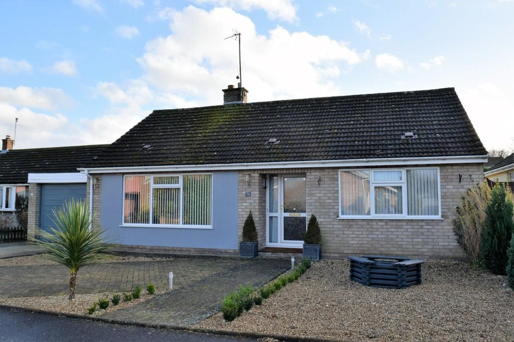 2 Bedrooms Detached Bungalow for sale in Mackenzie Road, Thetford