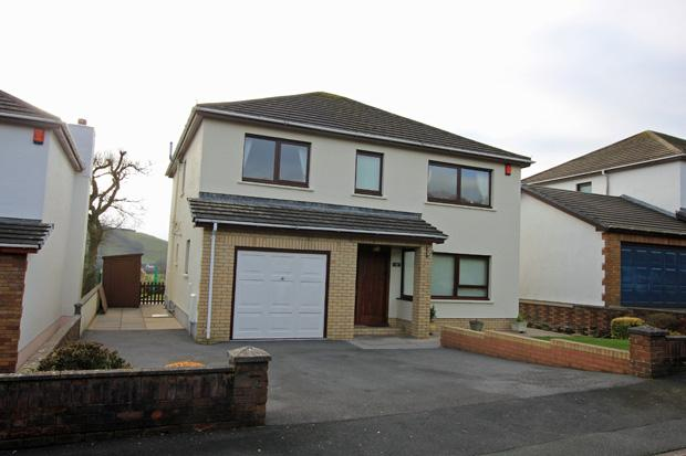 4 Bedrooms Detached House for sale in Brynderwen, Abergwili Road, Carmarthen, Carmarthenshire