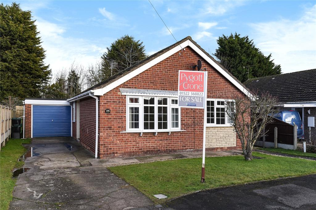 3 Bedrooms Detached Bungalow for sale in Delph Road, North Hykeham, LN6
