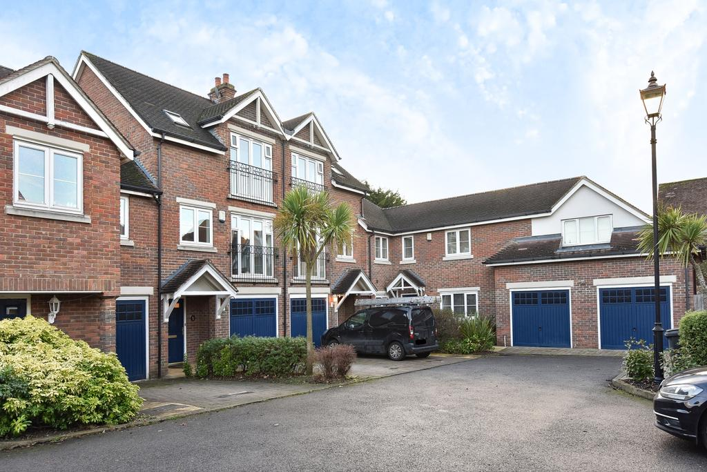 4 Bedrooms Town House for sale in Lancaster Gardens Bromley BR1