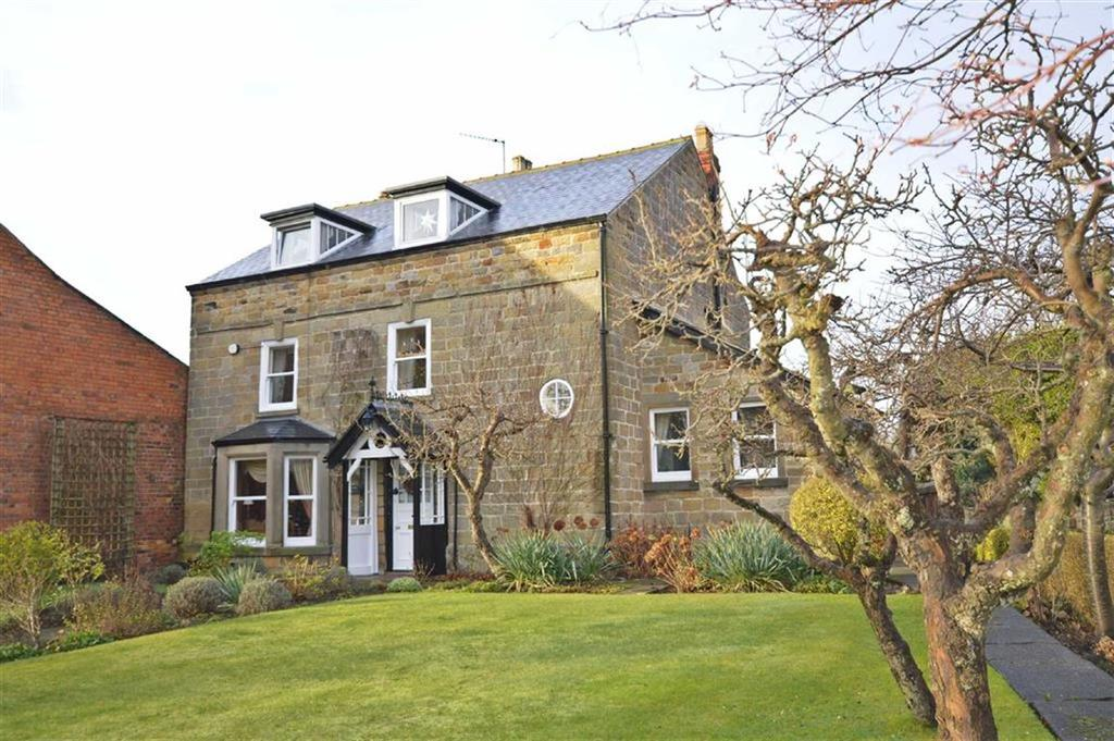 4 Bedrooms Detached House for sale in North Street, Scarborough
