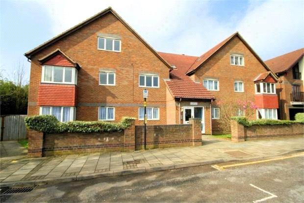 2 Bedrooms Apartment Flat for sale in Holbein House, 60 Marsh Lane, Stanmore, HA7