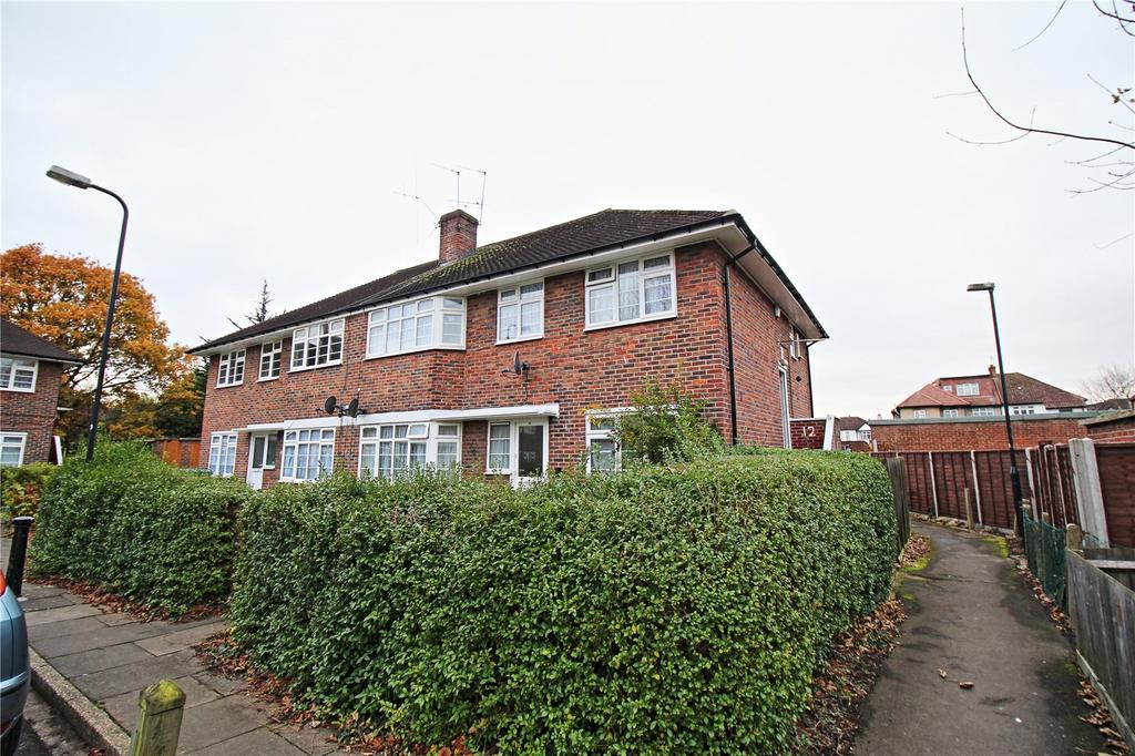 2 Bedrooms Maisonette Flat for sale in Harrowdene Close, Wembley, HA0