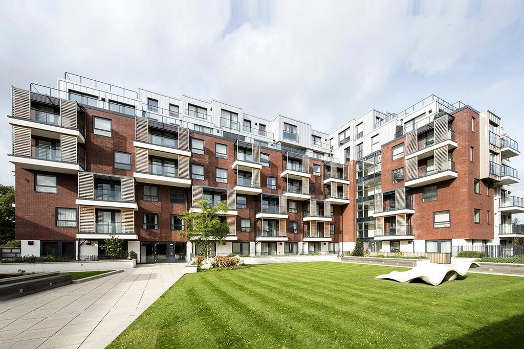 2 Bedrooms Apartment Flat for sale in Brunel Court, 201 Green Lane, Edgware, Greater London, HA8
