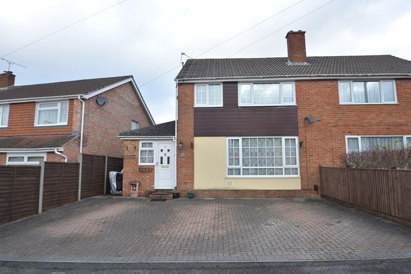 3 Bedrooms Semi Detached House for sale in Colenzo Drive, Andover