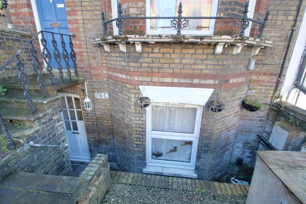 1 Bedroom Flat for sale in St Marys Road, Strood, ME2