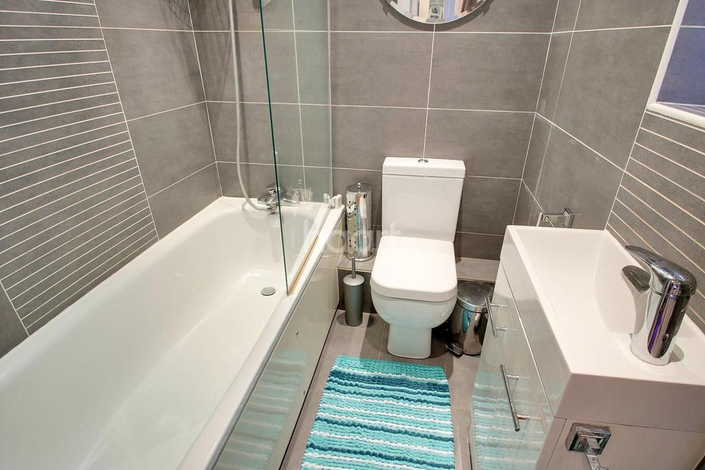 3 Bedrooms End Of Terrace House for sale in Carton Close, Rochester, ME1