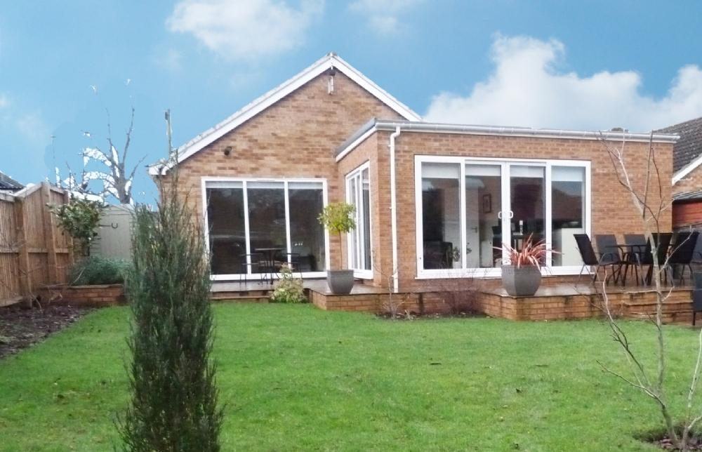 2 Bedrooms Bungalow for sale in OPEN VIEWING 19 Red Bank Road Ripon HG4 2LE