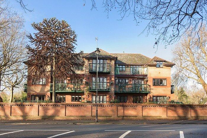 2 Bedrooms Parking Garage / Parking for sale in Lysander Mead, Derek Road, Maidenhead, Berkshire, SL6