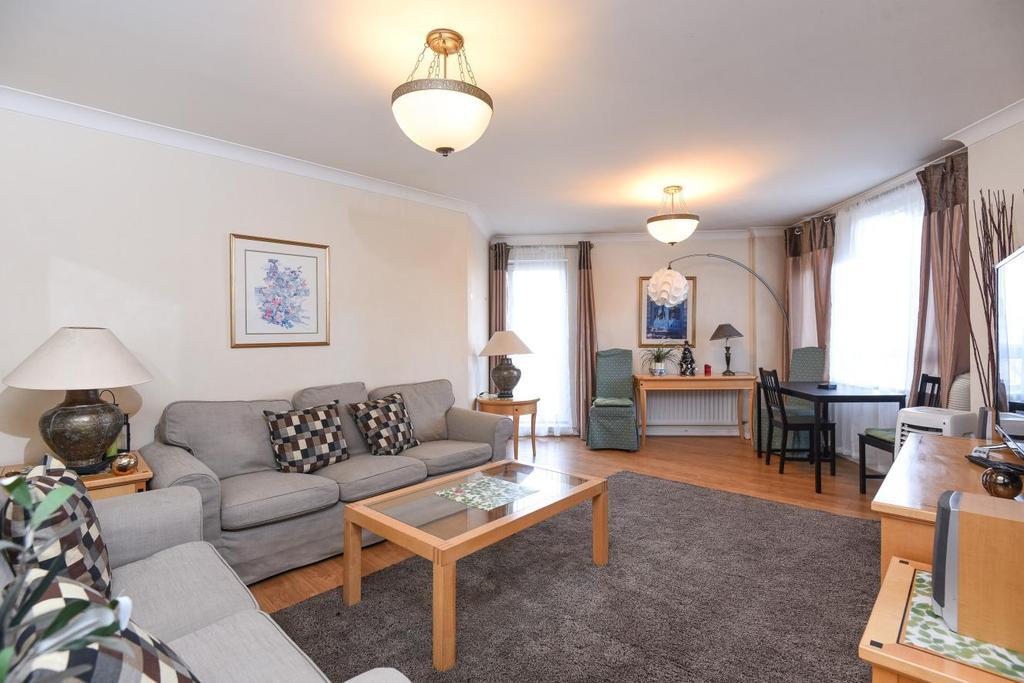 2 Bedrooms Flat for sale in Regents Plaza, Greville Road