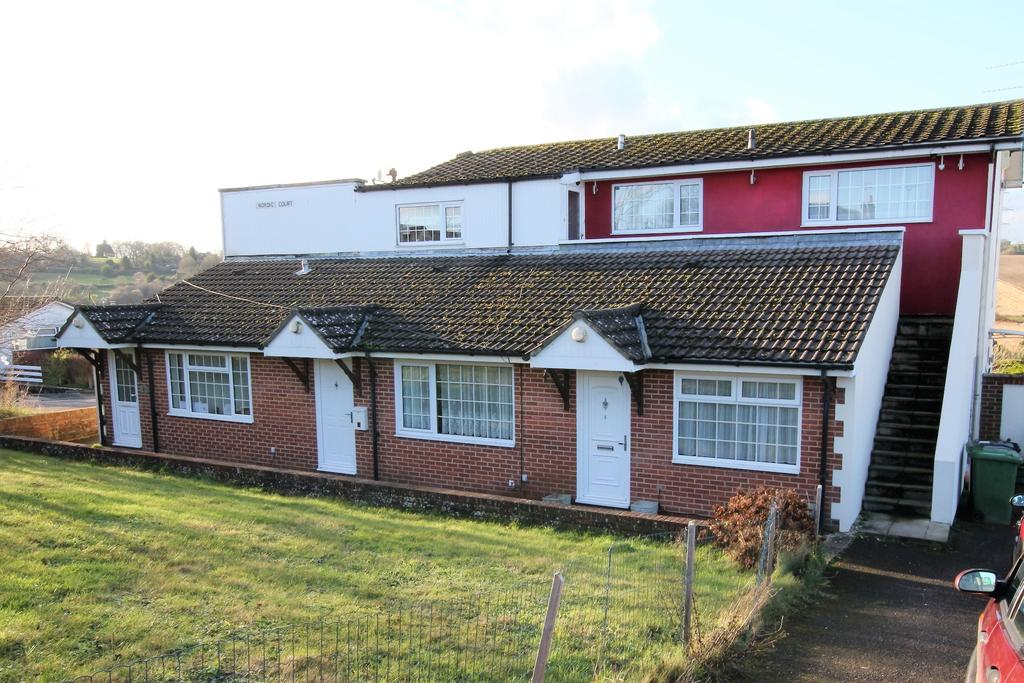 1 Bedroom Ground Flat for sale in HORNDEAN