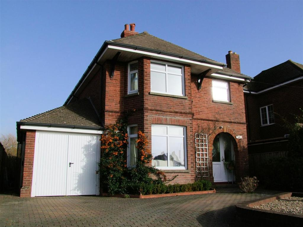 3 Bedrooms House for sale in Staplers Road, Newport