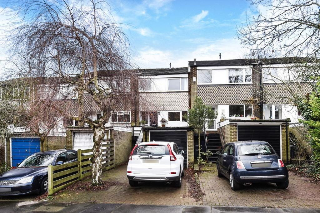 3 Bedrooms Terraced House for sale in Acorn Gardens, Crystal Palace