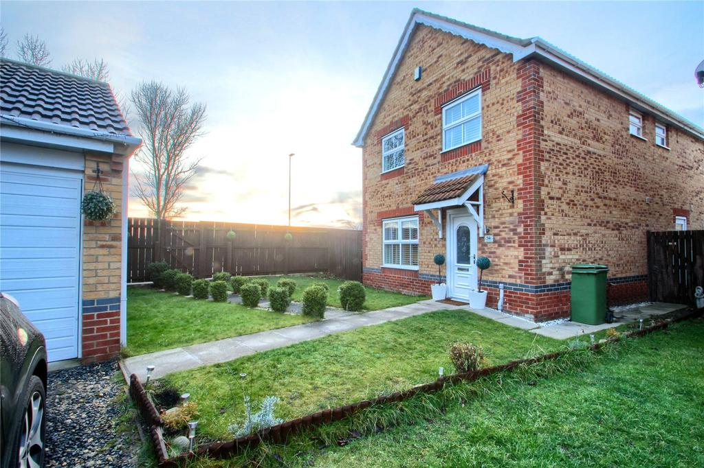 4 Bedrooms Detached House for sale in Harrier Close, Thornaby