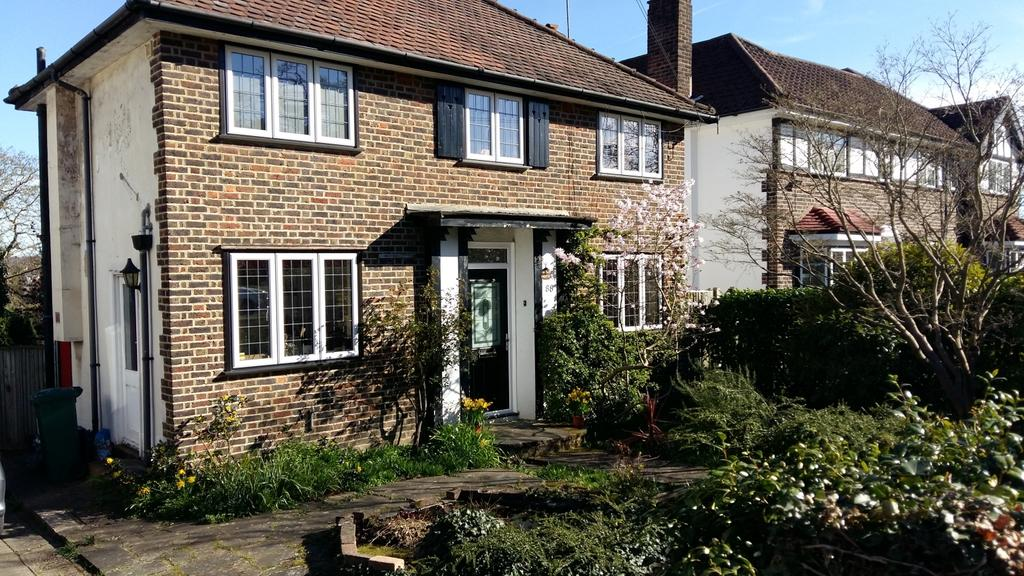 3 Bedrooms Detached House for sale in Mayfield Avenue Orpington BR6