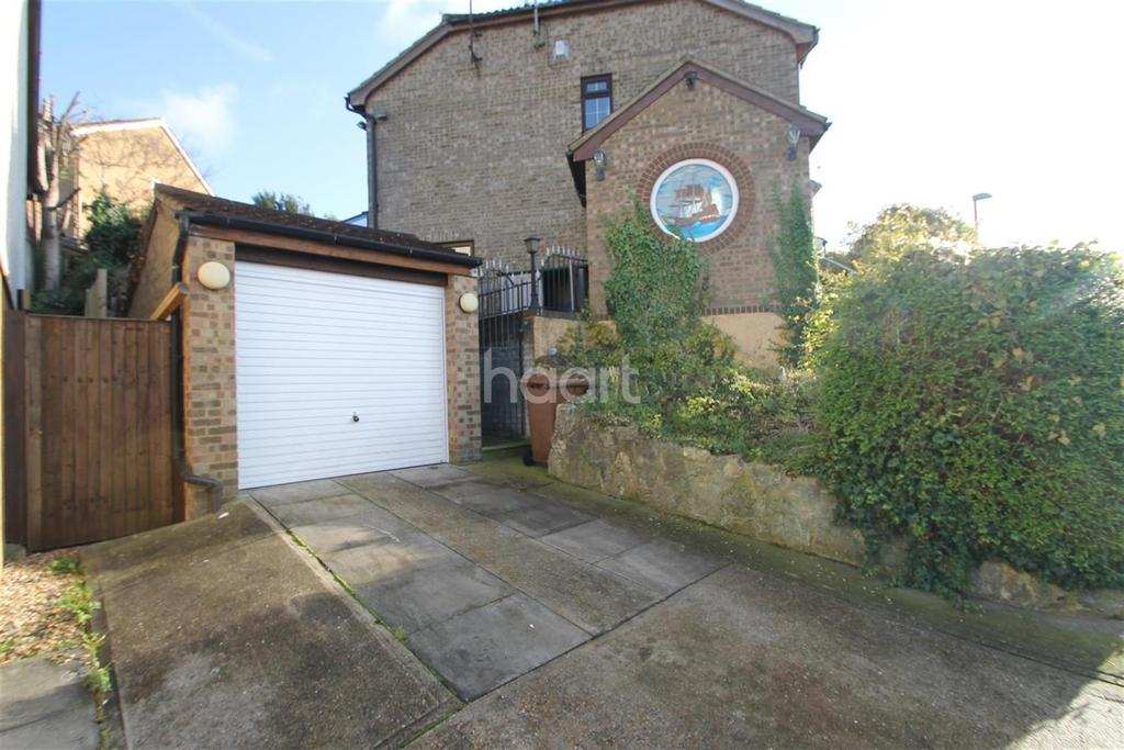2 Bedrooms End Of Terrace House for rent in Winchelsea Road, ME5