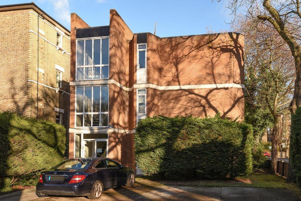 1 Bedroom Flat for sale in Kidbrooke Grove, Blackheath