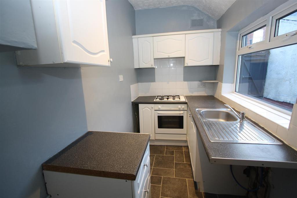 2 Bedrooms Terraced House for sale in Herbert Street, Darlington