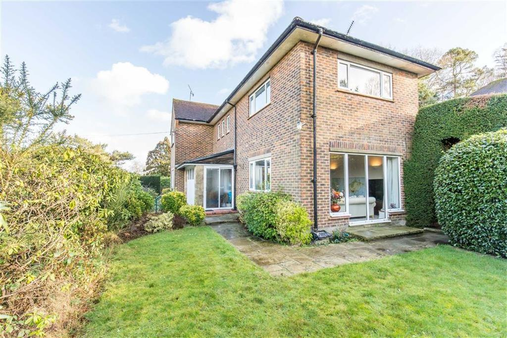 3 Bedrooms House for rent in Westerham Road, Oxted, Surrey
